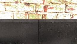 1. Приклеиваем плиты пеностекла к несущей части стены с помощью клея.