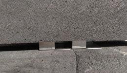 5. Сверху в порядке кирпичной кладки устанавливается плита пеностекла.